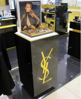 High End Custom Furniture For Cosmetic Display