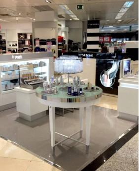 High End Custom Cosmetic Stand Display For Shop