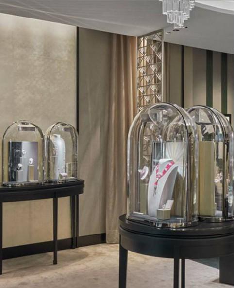 High End Jewelry Store Showcase Design