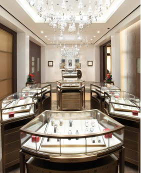 High End Jewelry Store Tower Display Showcase